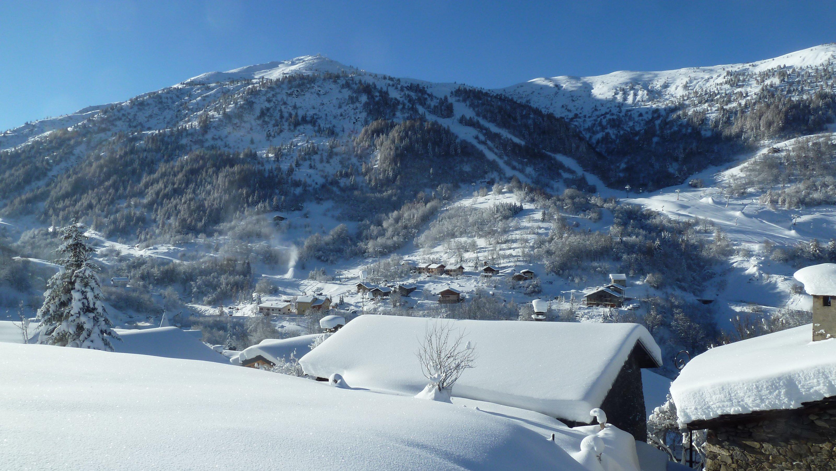Vue depuis le haut du village de Valmeinier